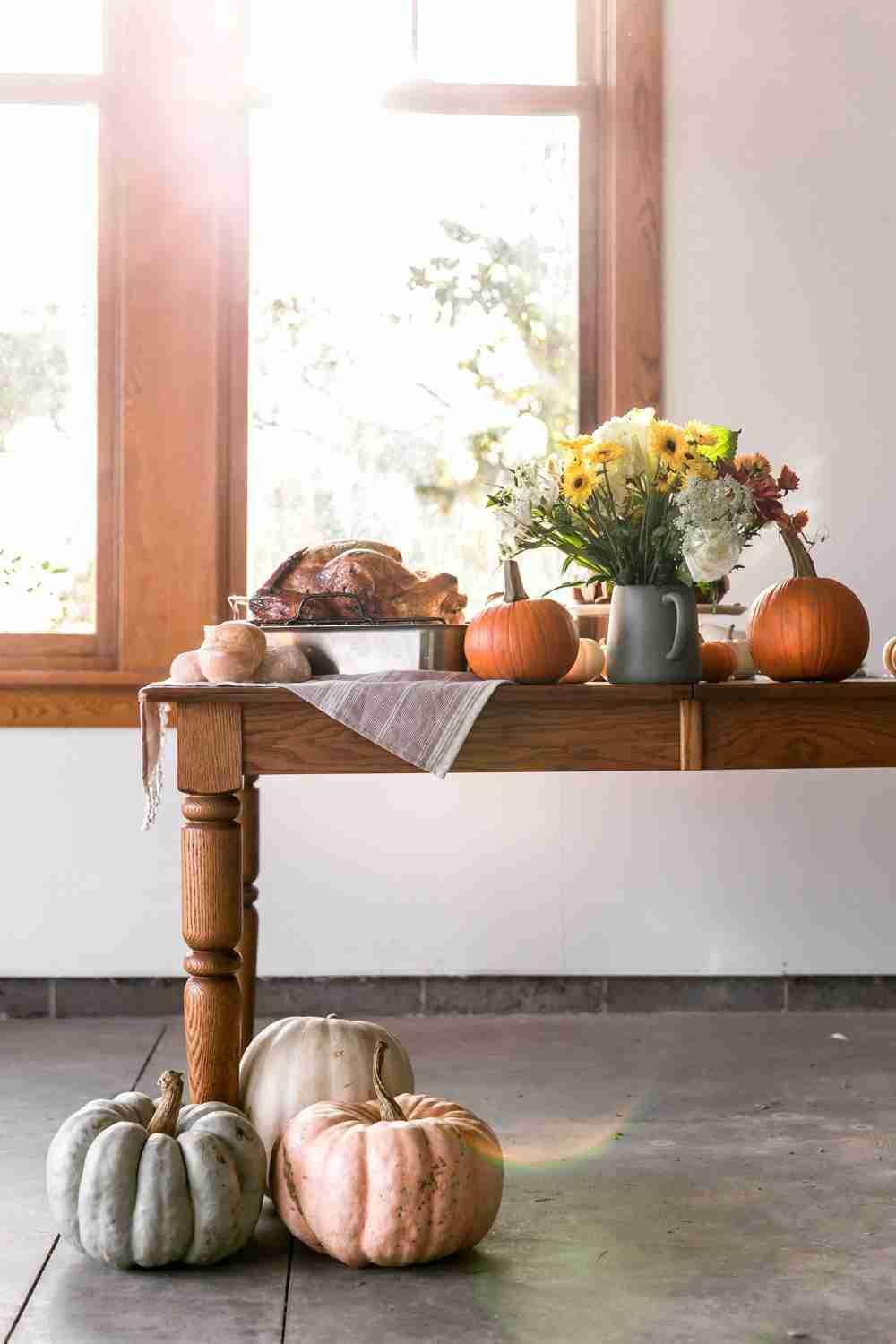 10 Tips for Hosting Thanksgiving